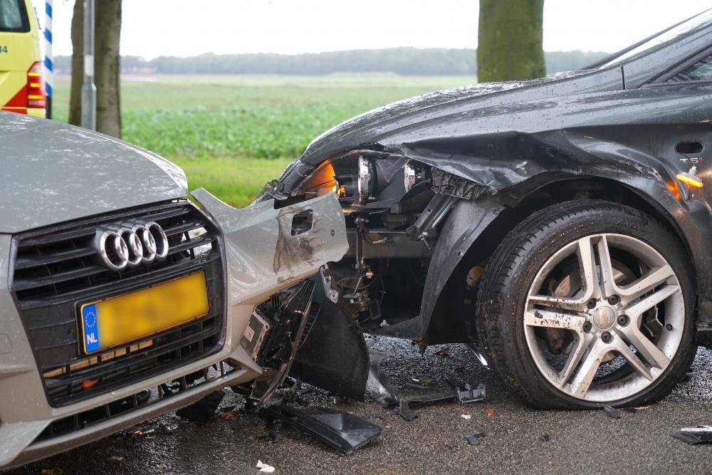 Ongeval tussen twee auto's in Valthe - NieuwsEmmen
